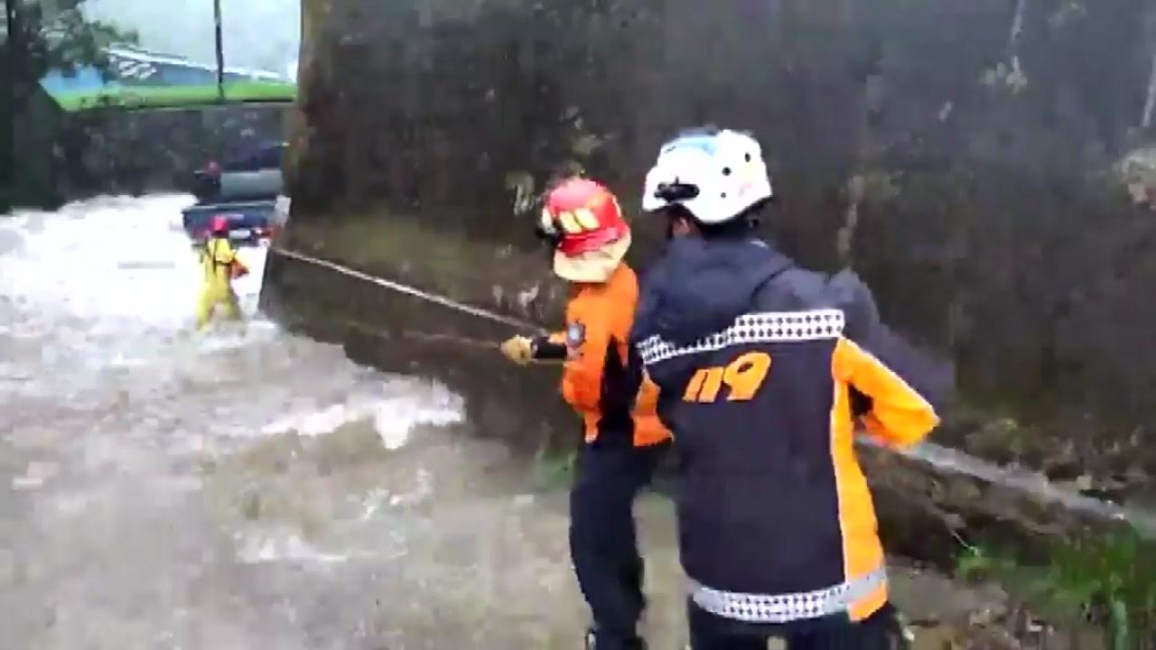 강원 영동 200mm 폭우...가슴 졸인 산불 피해 주민들