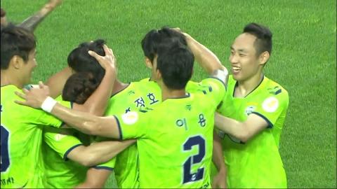김승대, 이적 첫 경기 결승 골…전북 선두 질주