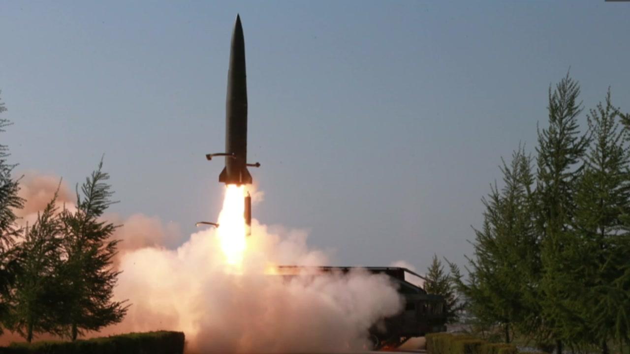 북, 강원도 원산에서 미사일 2발 발사
