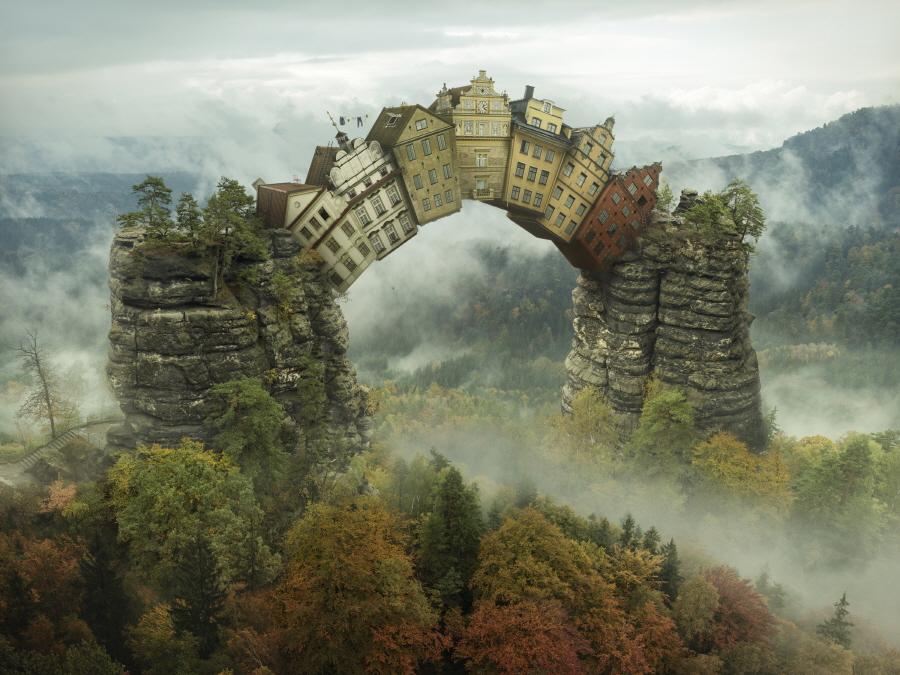 〔안정원의 디자인 칼럼〕 사진을 통한 극사실적 현실묘사에 촬영 사진을 최소한의 리터치 2