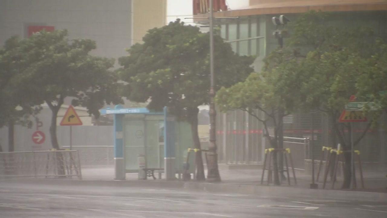 8호 태풍, 모레 상륙 뒤 관통...비바람 피해 '비상'