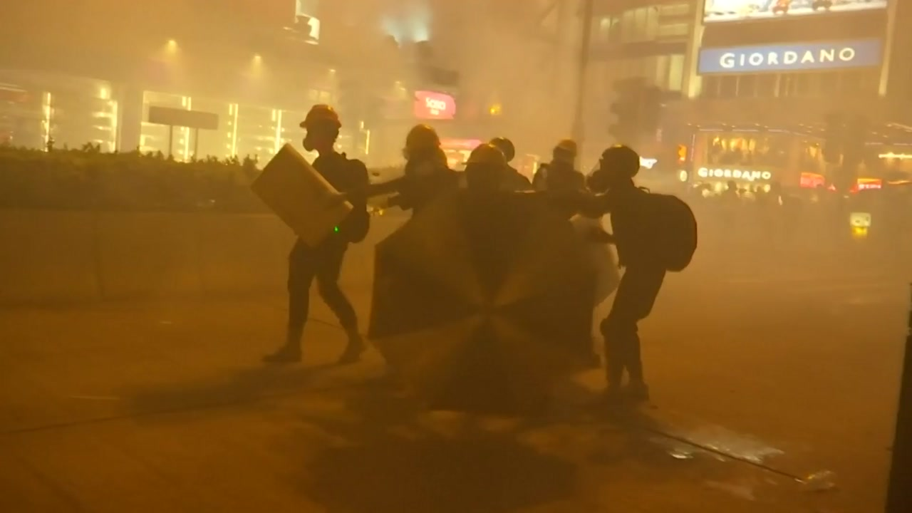 """""""눈 돌려달라""""...홍콩 시위 점입가경 이유는"""