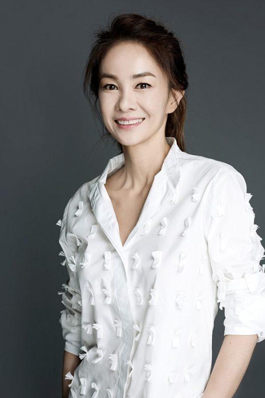 """'미코' 장윤정 """"작년 남편과 이혼...활동 앞서 솔직하고 싶었다""""(전문)"""