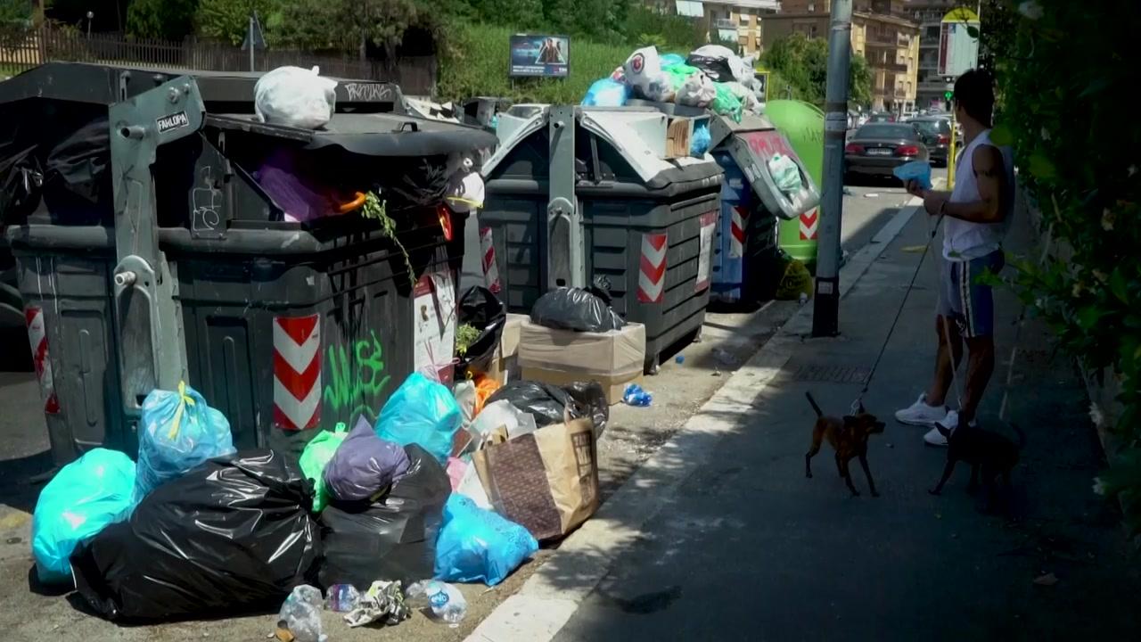 쓰레기 천지 로마...전염병 우려까지