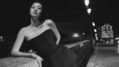 """""""흔들려도 아름답다""""…장윤주, 파리에서 뽐낸 톱모델 자태"""