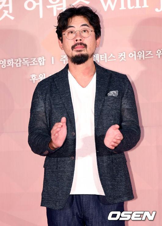 나홍진 감독, 쇼박스와 신작 계약 체결...'곡성' 이후 3년만 (공식)