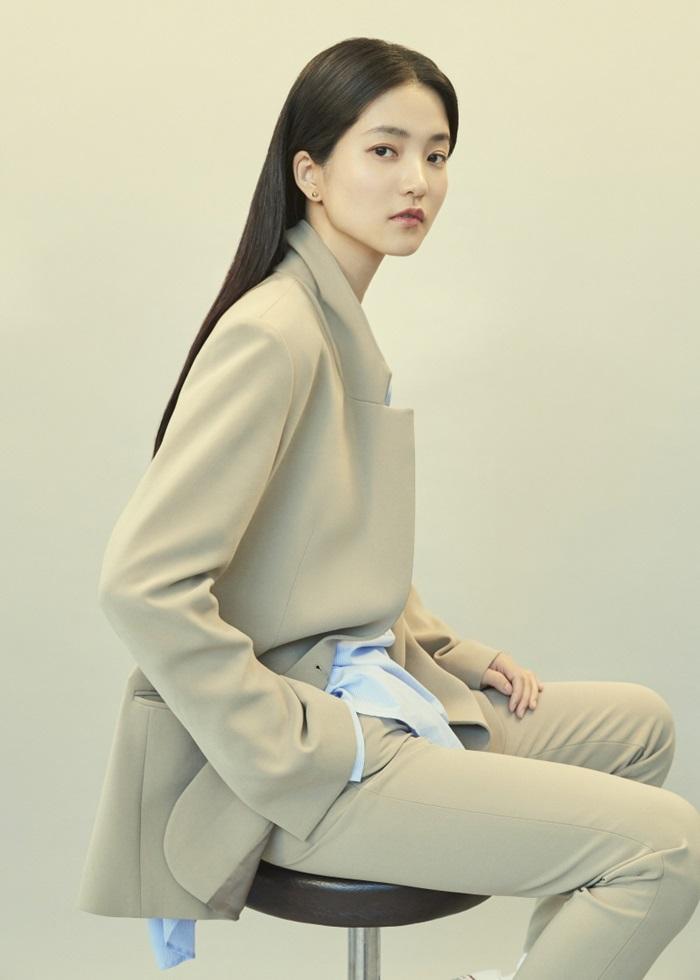 [Y패션] 김태리X프론트로우, 가을 광고 비주얼 공개…성숙+우아