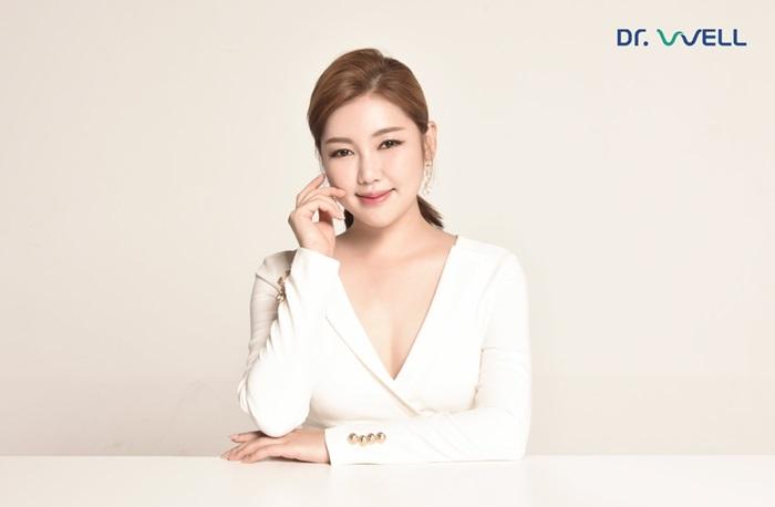 송가인, 마사지기 전문 브랜드 모델 발탁…차세대 광고 여신