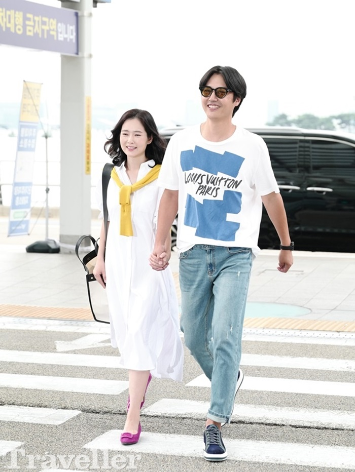 윤상현♥메이비 부부, 공항패션의 정석…화사한 커플룩