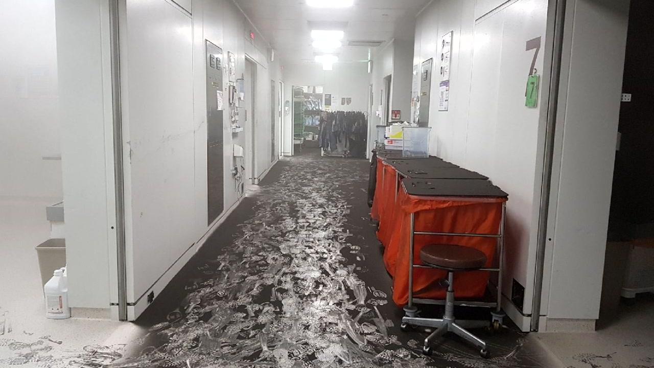 청주 대형병원서 화재...환자 134명 대피