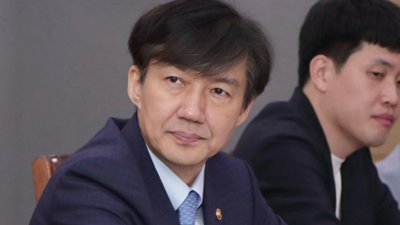 '흙수저' 청년들 만난 조국...청년층 달래기
