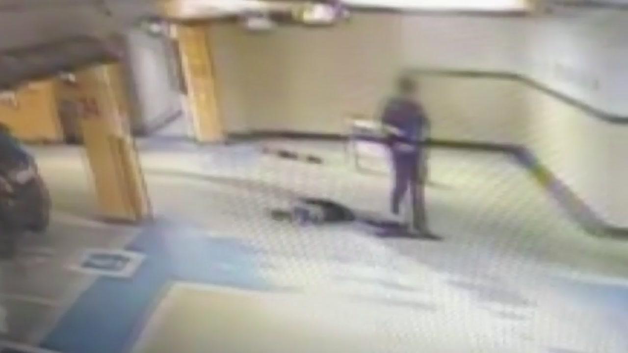 [영상] 주차장 바닥에 50대 여성 패대기친 현직 경찰