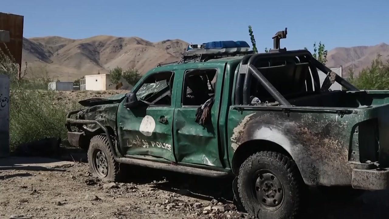 """아프간 대선 유세장서 자폭 테러...""""대통령은 무사"""""""