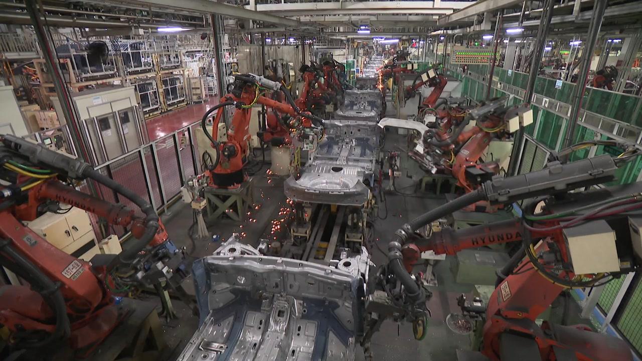 """생산·소비·투자 '트리플 증가'...""""추석·車 판매 영향"""""""