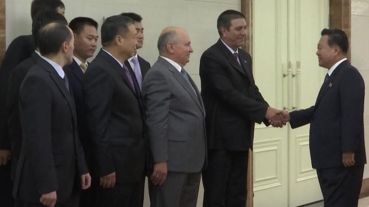 최룡해, 방북 러 언론사 대표단 이례적 면담