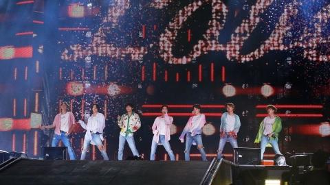 사르르 녹아내린 중동…BTS 사우디 공연의 의미