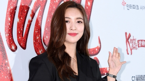 엠버·루나 등 에프엑스 멤버들, 설리 비보에 일정 중단(종합)