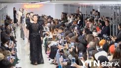 페이우, 20SS 컬렉션 공개…양면적 여성의 매력 담았다
