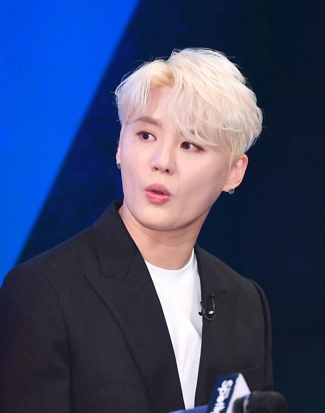JYJ 김준수, '호텔 매매' 수백억 원 사기 피해 주장…경찰 수사