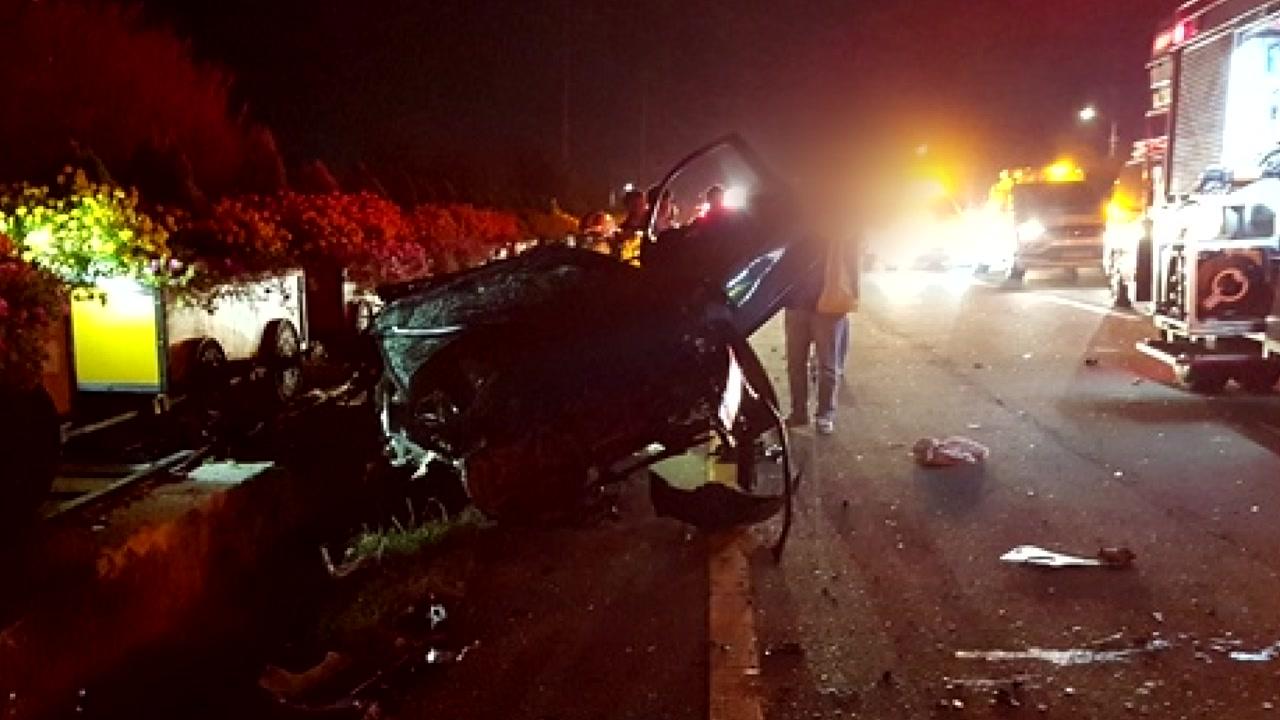 연천에서 승용차 충돌...군인 4명 사망·3명 부상