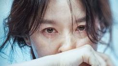 김희애·나문희·이영애...11월 극장가는 #멜로 #관록 #컴백