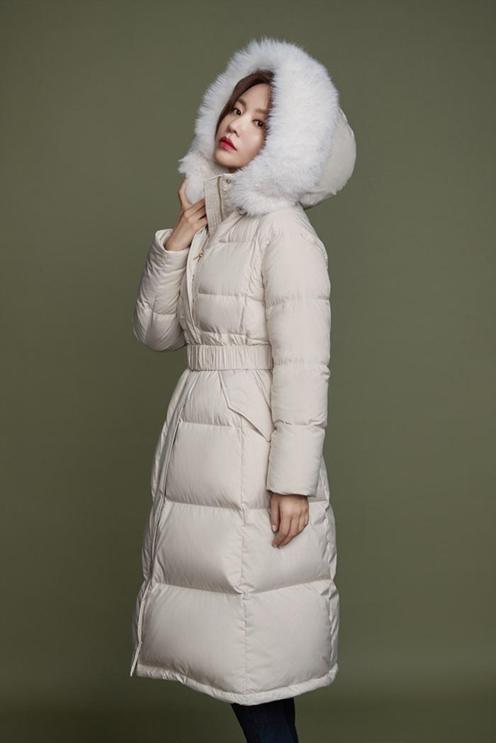 [Y패션] 김아중, 겨울 화보 공개…세련미 넘치는 패딩룩