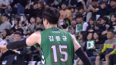 김종규, 친정 상대로 15득점...DB 단독선두