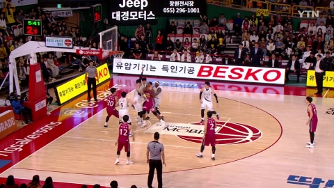 '김선형 20점 10리바운드' SK 5연승...현대모비스 4연패