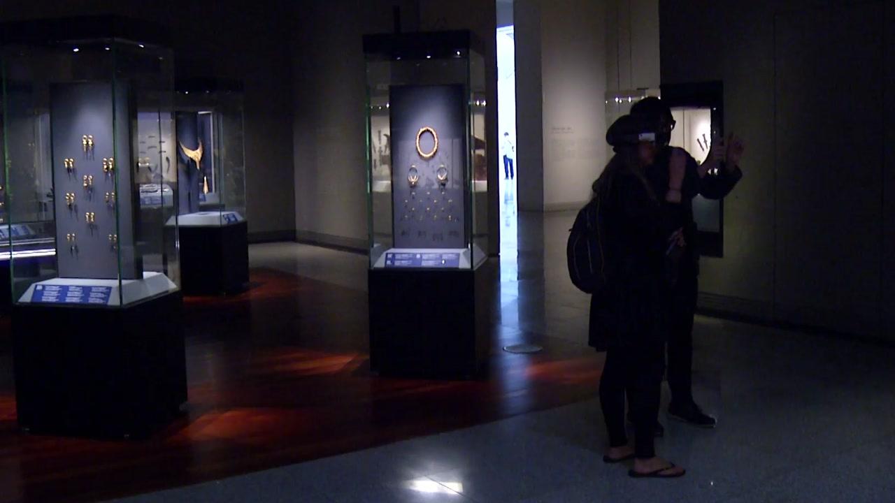 살아 움직이는 유물 관람하세요...미래 박물관 모습은?