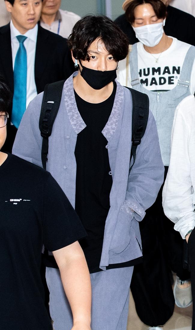 방탄소년단 정국, 교통사고 피의자 신분 입건…소환 일정 미정