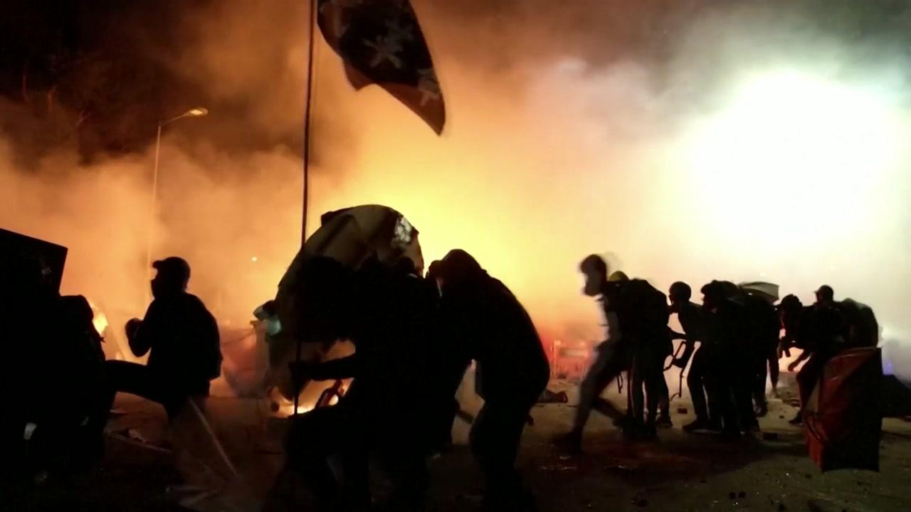'전쟁터 방불' 홍콩...'넥타이 부대'에 도심 화재까지