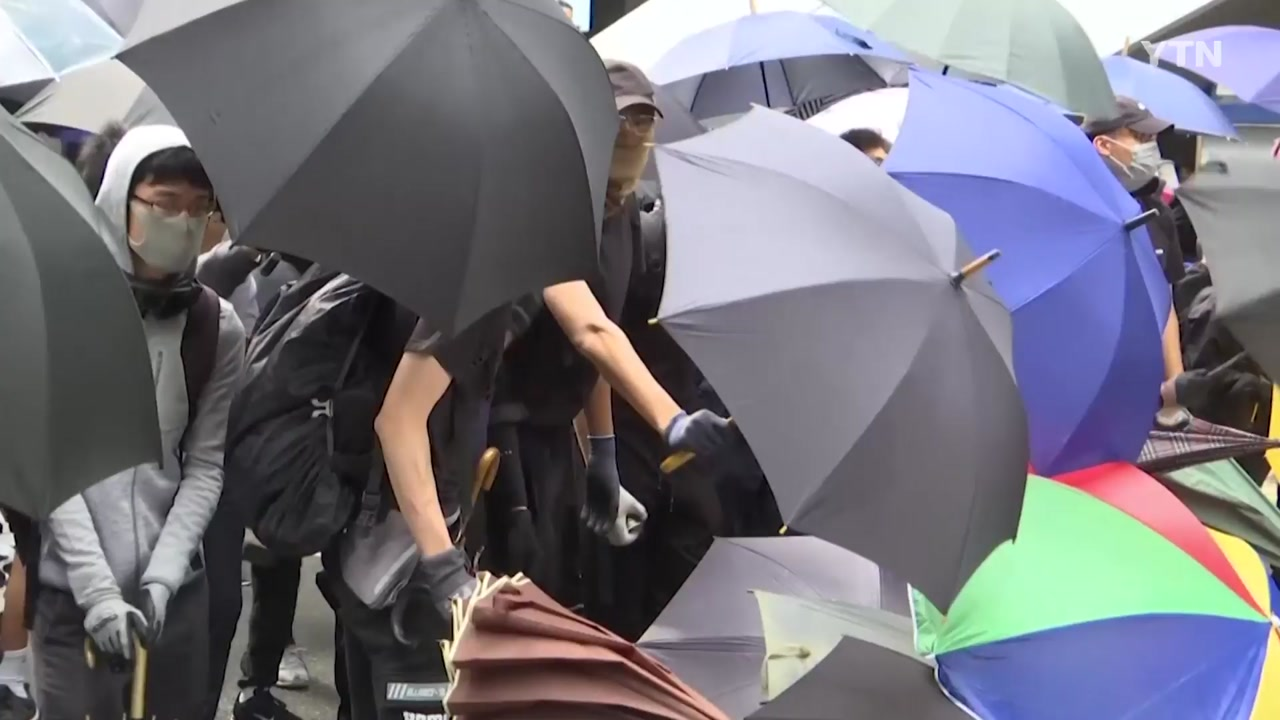홍콩 교도소 폭동대응팀 투입...강경파 경찰청장 기용