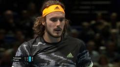 '21세' 치치파스, 남자 테니스 왕중왕전 첫 우승