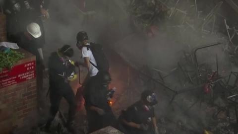 홍콩 경찰, 대학 봉쇄후 체포 작전…새 고비 맞나?
