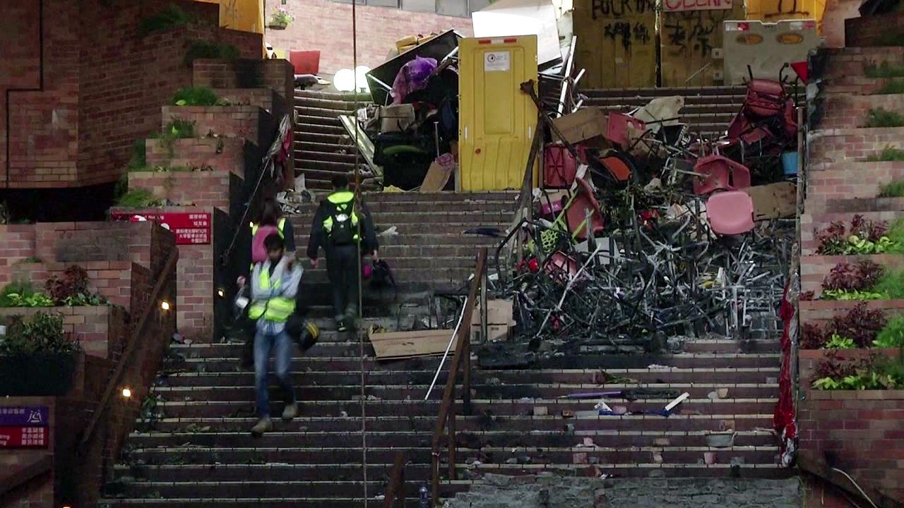 한국인 관광객 2명, 홍콩 이공대에 갇혔다 탈출