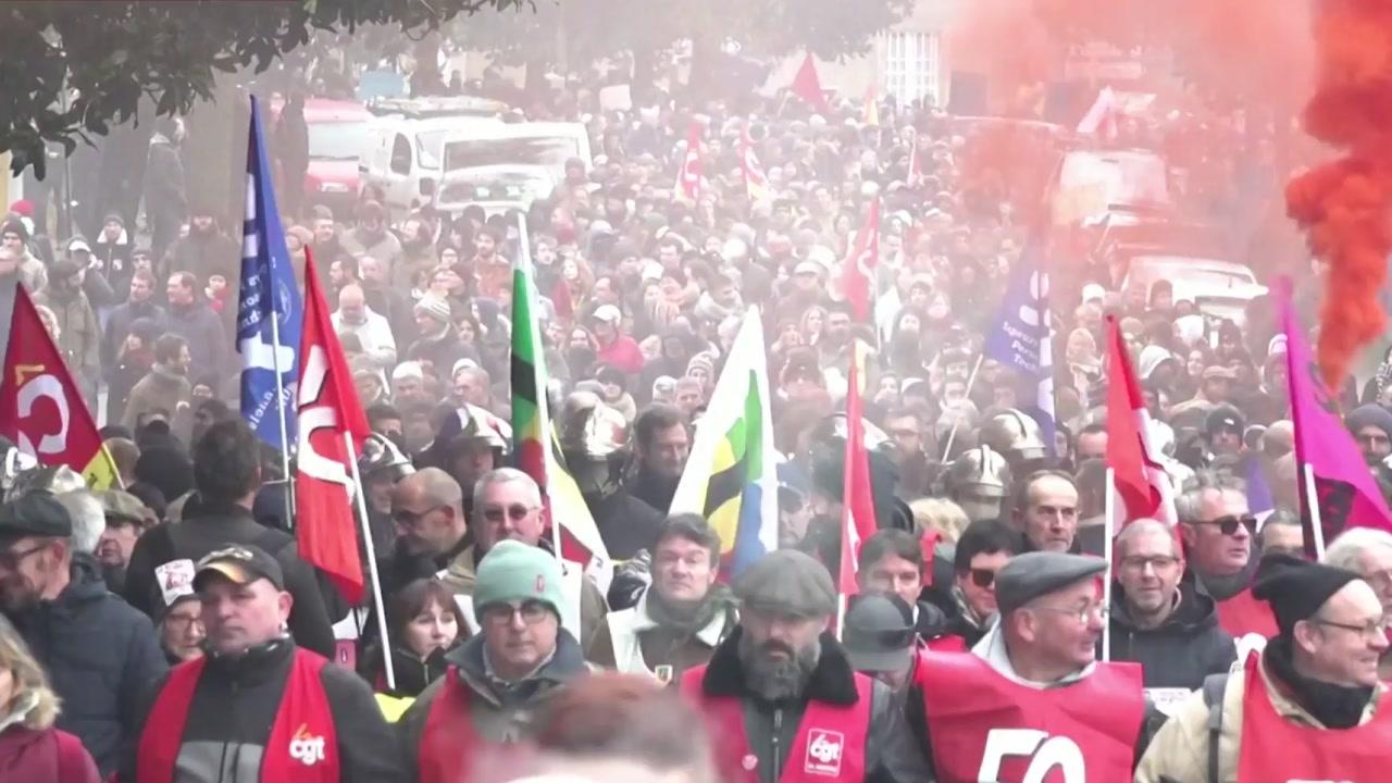 프랑스 '연금 개혁 반발' 총파업 돌입...주요 교통망 마비