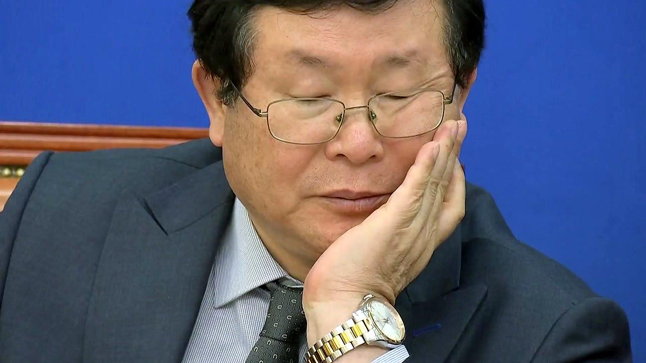 갈 길 먼 민주당 '빈 수레 간담회'...한국당은 압박 강화