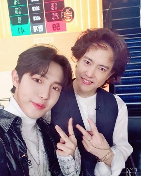 """김재환, '슈가맨3' 양준일과 다정하게...""""만나서 영광이었다"""""""