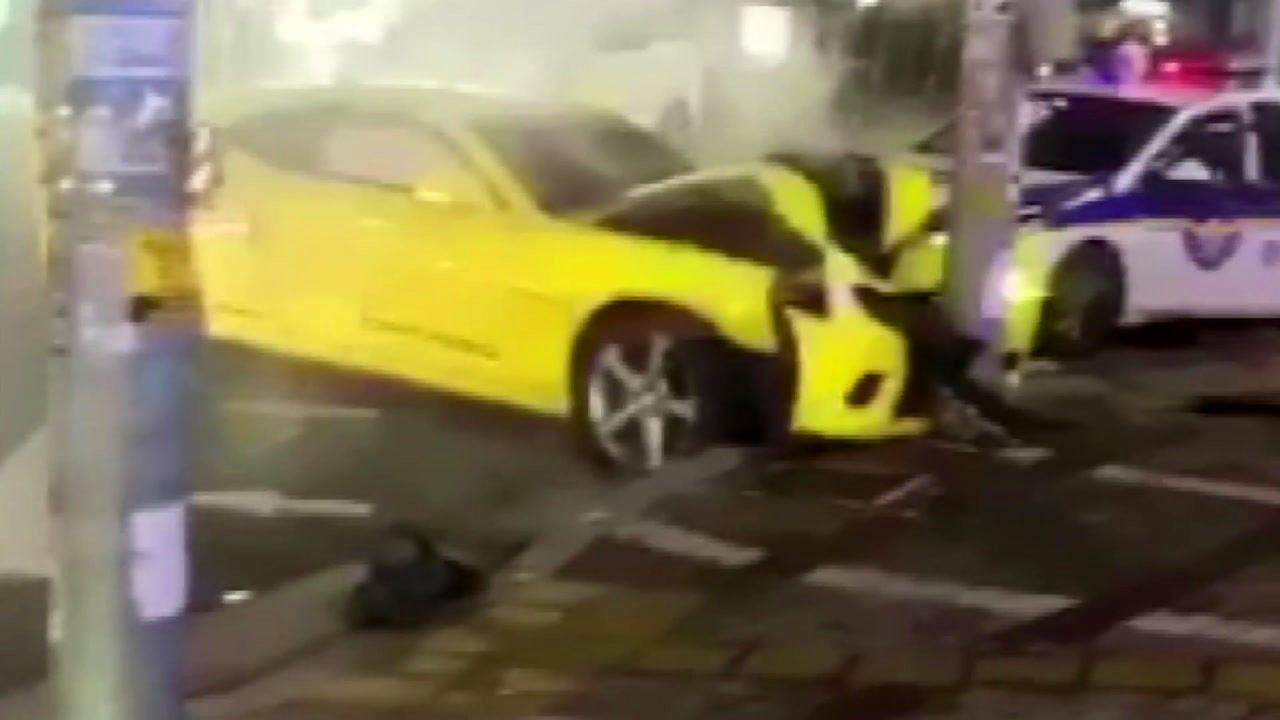 [영상] 음주단속 피해 달아나다 '쾅'...경찰 부상