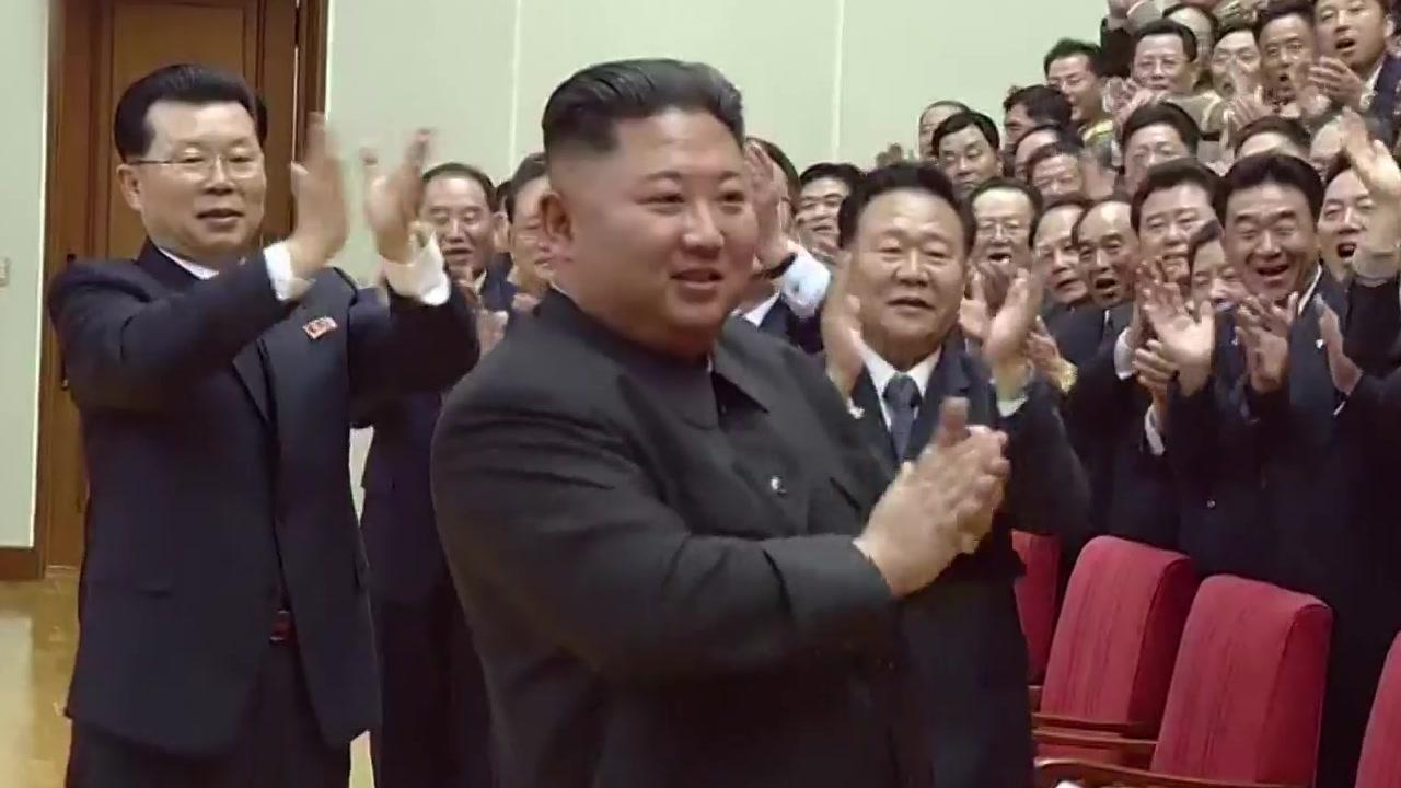 """김정은 """"곧 새 전략무기 보게 될 것""""...도발 예고"""