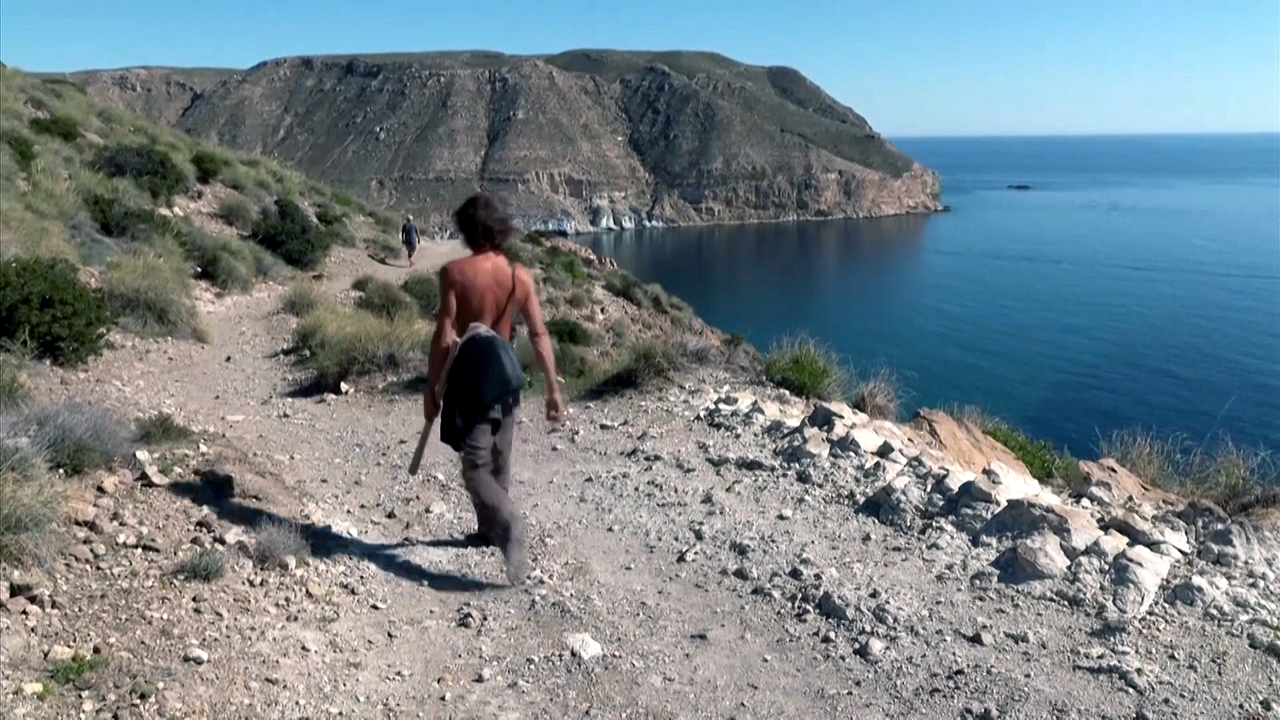 관광지 개발로 위기 닥친 스페인 '히피족 마을'