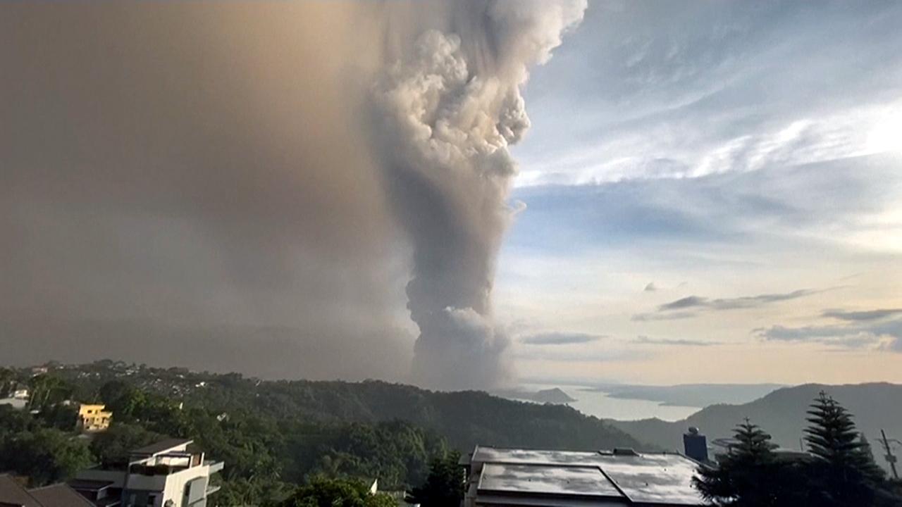 필리핀 마닐라 인근 관광지 따알 화산 분화