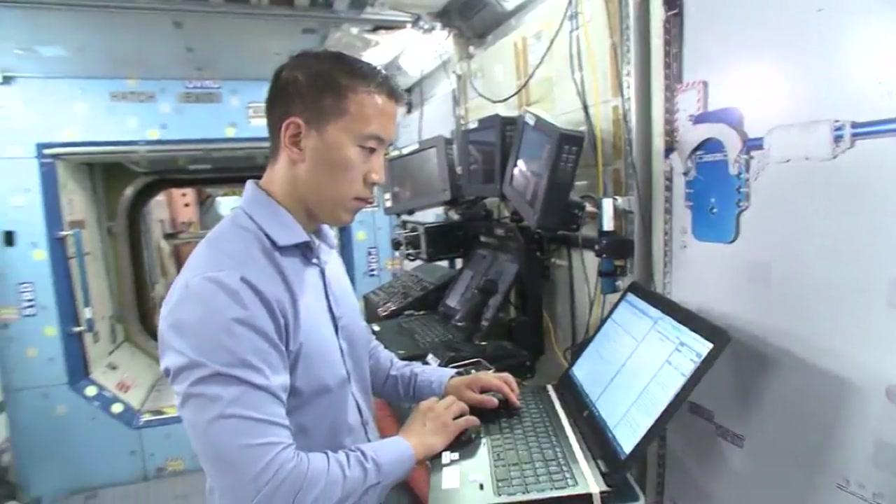 한국계 '조니 김' NASA 우주인 발탁...1,600대 1 경쟁률 뚫어