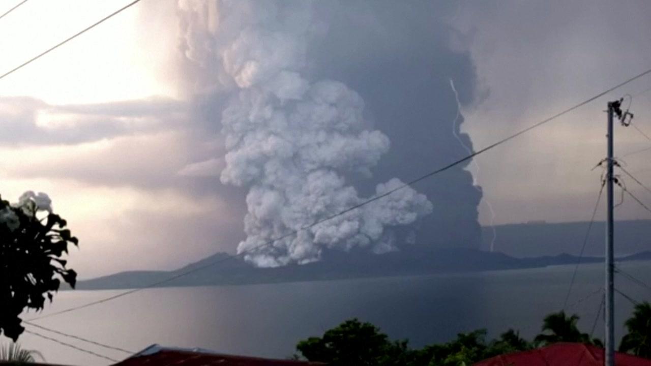 필리핀 탈 화산, 더 크고 위험한 폭발 징후 '포착'