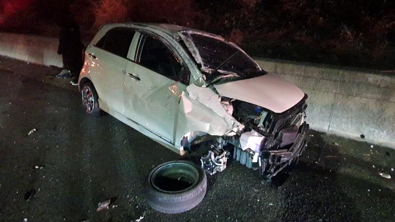 대전-당진 고속도로에서 4중 추돌...6명 부상