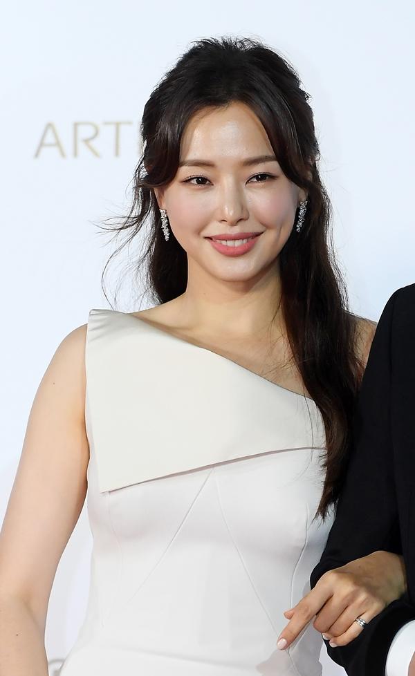 """이하늬, '기생충' 파티 참석 인증샷 삭제 """"불편하셨다면 죄송"""""""