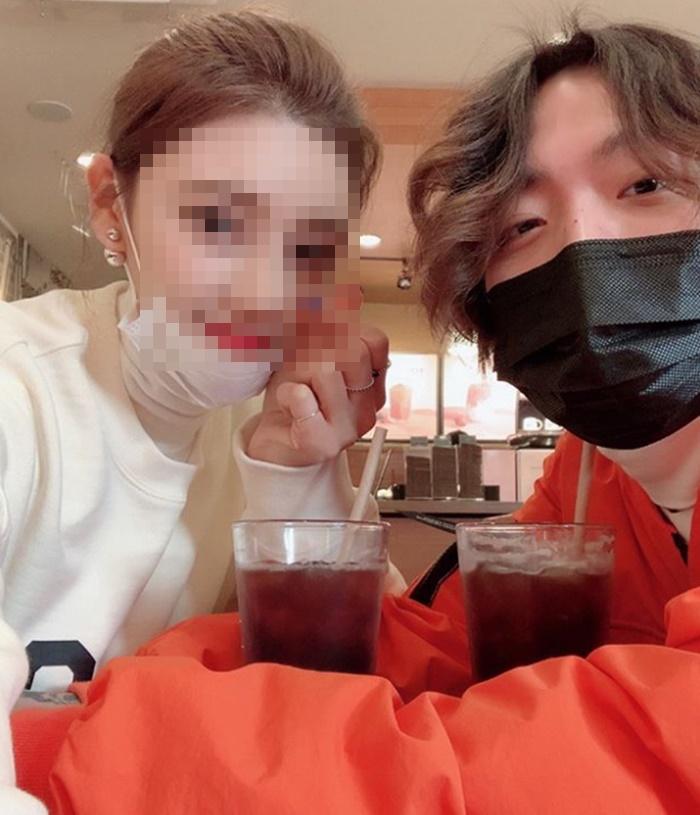 """해쉬스완, 승무원 여자친구 공개→악플 분노 """"이제 안 올린다"""""""