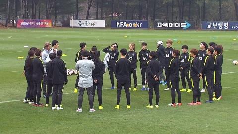 """""""올림픽 예선 4월로 미루자"""" 축구협회, 중국에 역제안"""