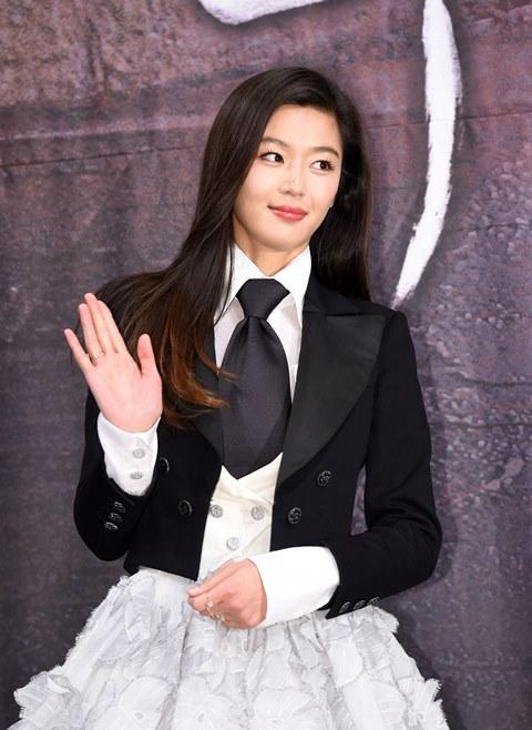 전지현, '킹덤2' 최종회 등장...시즌3로 이어질까