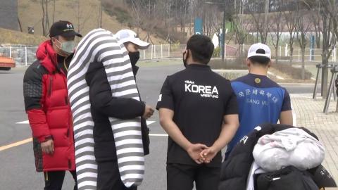 """""""6주 만에 바깥 공기"""" 국가대표 선수촌 퇴촌 시작"""